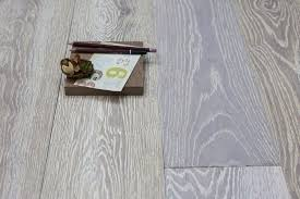 again a solid wood option for anyone who s looking for it this floor is stunning with the grain appa on every board this limed oak
