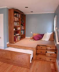 -Cool-Inventive-Murphy-Beds-for-Decorating-Smaller-Rooms