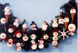 The snowman heads are made from 3
