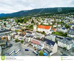 Molde-Stadt in Norwegen stockfoto. Bild von skandinavien - 106793824