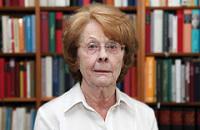 Die Volkswirtin <b>Karin Peschel</b> blickt auf eine erfolgreiche Laufbahn zurück. - uz-73-4a-1
