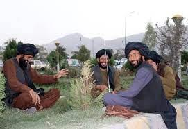"""طالبان منزعجة من """"لهو"""" عناصرها: أوقفوا التقاط السيلفي"""