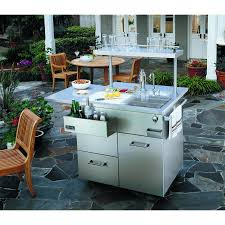 image of outdoor sink station in restaurant