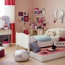 Simple To Decorate Bedroom Bedroom Decor Elegant And Simple Bedroom Decorating With Decorate