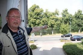Blickt aus seinem Küchenfenster auf den Burggraben: Reinhard Pohl ... - 18029_web