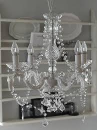 Kronleuchter Mit Kristallen In Weiß Von Chic Antique Das