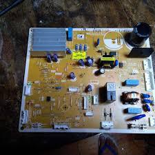 Sửa Tủ Lạnh Không Rơi Đá Viên, Không Làm... - Sửa Tủ Lạnh Hitachi inverter  - Trung Tâm Sửa Chữa Hitachi Tại Hà Nội