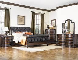 Fairmont Designs Grand Estates Queen 6 Piece Bedroom Group   Item Number:  02 Queen