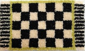 simple rug patterns. Add A Little Bit Of Excitement To Any Room With This Simple Checked Rug. Rug Patterns