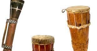 Adalah alat musik tradisional ini berasal dari daerah jawa barat. Alat Musik Tradisional Tifa Greatnesia