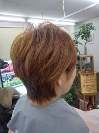 多くて硬い髪はキュビズムカットが最適 大人女性のためのくせ毛