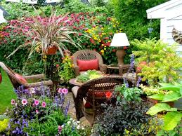 Pictures of beautiful gardens for small homes