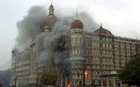 mumbai terror attacks here s what happened at taj mahal heavy smoke from taj mahal hotel set on fire by the terrorist on early satruday morning