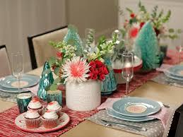 Christmas Table Setting 2 Simple Holiday Table Settings Hgtv Crafternoon Hgtv