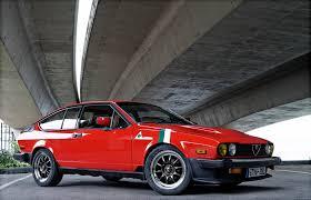 Alfa Romeo GTV-6 - Information and photos - MOMENTcar