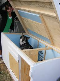 ideas about Insulated Dog Houses on Pinterest   Dog Houses       ideas about Insulated Dog Houses on Pinterest   Dog Houses  Dog House Plans and Build A Dog House