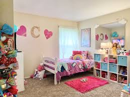 Siwa told fallon that she was making tiktok videos with an lgbtq account called pride house, including one set to paramore's. Pin By Creative Chris Dsigns Llc On Jojo Siwa Room Inspo Kids Bedroom Bedroom Decor Room Inspo