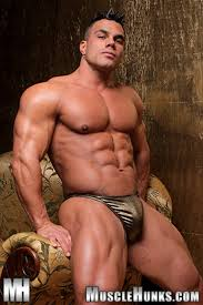 Gay muscle hunk naked