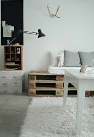 homemade furniture ideas. 1-AD-living-room-sitting-bench-wooden-pallets Homemade Furniture Ideas T