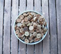 how to cut wine corks, crafts, how to, repurposing upcycling
