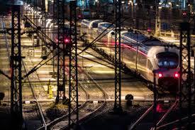 Jun 08, 2021 · der tarifkonflikt mit der deutschen bahn und der lokführergewerkschaft gdl spitzt sich zu. Deutsche Bahn Droht Streik Salzburg24