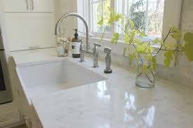 how to choose the right white quartz for kitchen countertops