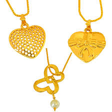 set of 3 shell pearl and gold plated heart shaped pendant for women with 22 in