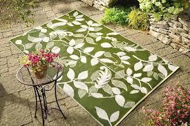 cool green outdoor rug image of nice contemporary outdoor rugs hometrends indoor outdoor rug green leaf