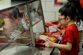 Resultado de imagen para trump alimentación escuelas