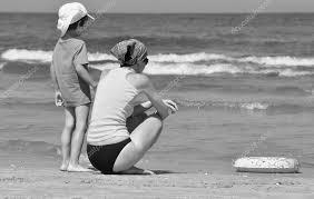 Vacanze Al Mare Famiglia Con Bambini Sulla Spiaggia Mare E Lago