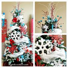 Red-Turquoise-White-Christmas-Tree