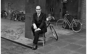 from the archive philip larkin on the voices of poets larkin outside the university of hull in 1979 photo jane bown topfoto