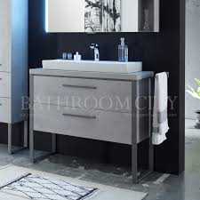 solitaire 9025 1080 traditional vanity