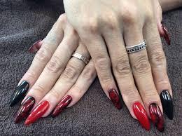 Nail Salon Freestyle黒赤の色変えタイダイ柄ジェルネイル