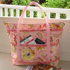 Best 25+ Quilted bags patterns ideas on Pinterest | DIY quilted ... & Quintessential Quilting Projects: 7 Quilted Tote Bag Patterns You'll Love!  - Welcome Adamdwight.com