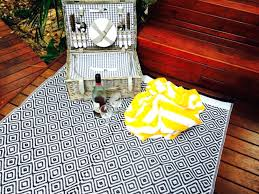 recycled plastic outdoor rugs recycled plastic outdoor rugs blue white large rug all about recycled plastic recycled plastic outdoor rugs