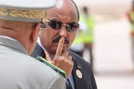 رئيس موريتانيا السابق يواجه تهمة الخيانة العظمى لمنحه جزيرة لأمير قطر