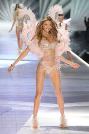 Victoria S Secret Fashion Show 2018 Most Naked Looks Vs Show Almost Nude Outfits
