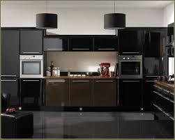 Black Appliances In Kitchen 2018 White Cabis Quartz Countertops ...