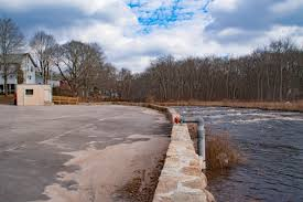 just ducky which brings us to shannock they didn t want to remove this horseshoe dam for it s historical and aesthetic value plus looking at the rocks they seem
