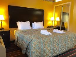 Nashville 2 Bedroom Suites Nashville Airport Inn Suites Tn Bookingcom
