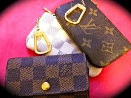 louis vuitton key pouch. louis vuitton key pouch review | what i use my cles for!