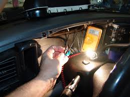 sparky's answers 2005 chevrolet suburban instrument cluster does 2003 Chevy Tahoe Fuse Box Diagram the next step was to isolate the data communication line between the ipc and the splice pack the the lower left of the dash assembly 2016 Tahoe Melted Fuse Box