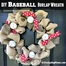 this diy baseball burlap wreath is perfect for the all star game asg2016