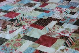 Anyone Can Quilt: Table Cloth Quilt top & Table quilt 025 [1024x768] Adamdwight.com