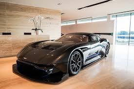Nous vous laissons apprécier le spectacle ! This Aston Martin Vulcan Is For Sale For R43 Million