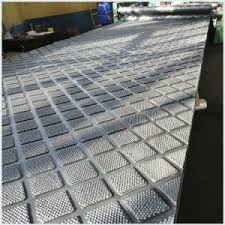 The flooring is made from a combination of virgin and recycled rubber bonded by a two part urethane compound. China Barn Flooring Livestock Cow Mats Rubber Horse Stable Sheet Mats Horse Trailer Rubber Sheet Mats Sheeting Matting China Silicone Rubber Nitrile Rubber Sheet