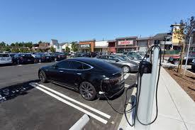 California may adopt bigger incentives for electric cars