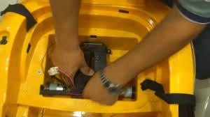 Denver Cars Coupe Akülü Arabasına Akü Yerleştirmek  www.akuluarabasatis.blogspot.com - YouTube