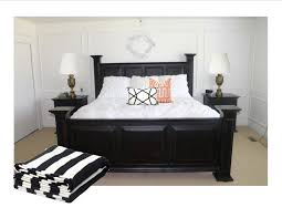 black and white bedroom decor. White Room Furniture. Black And Gold Bedroom - Model 02 Furniture Decor